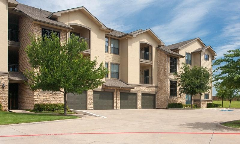 $1763 Three bedroom Apartment for rent