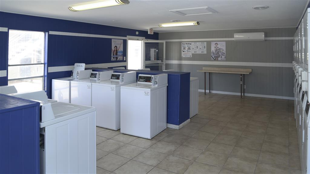 $1049 Three bedroom Apartment for rent