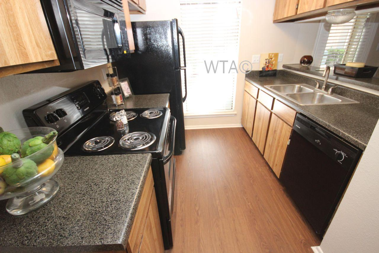 $950 Two bedroom Loft for rent
