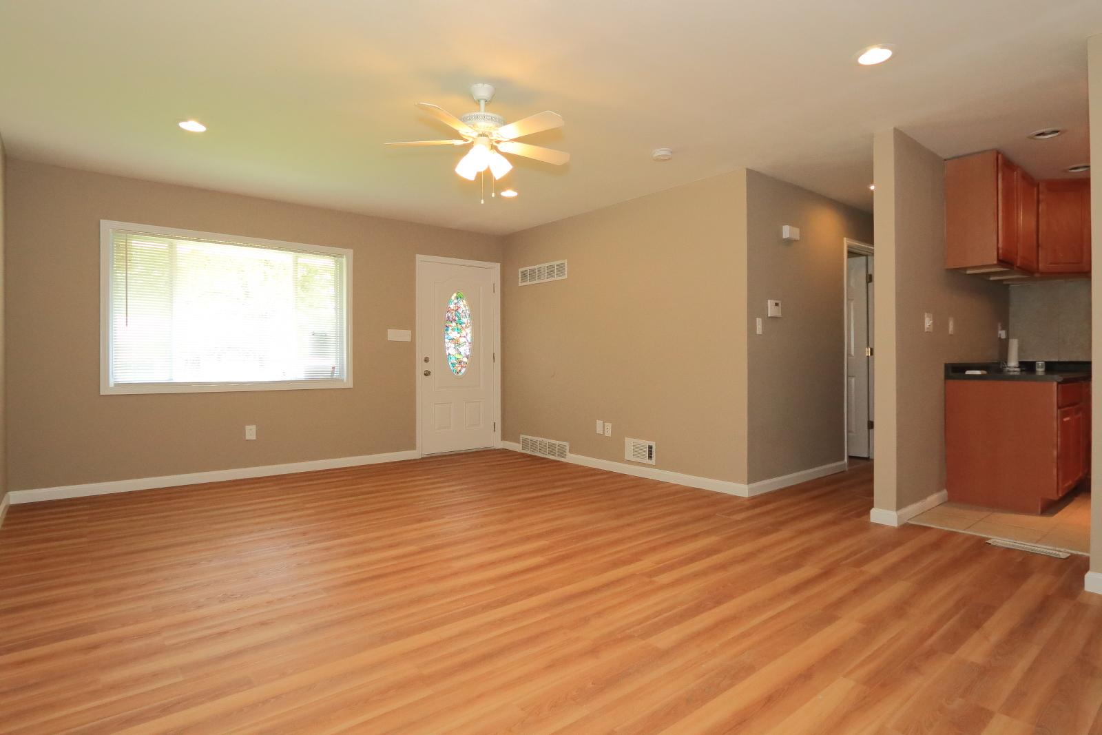 $875 Four bedroom Apartment for rent