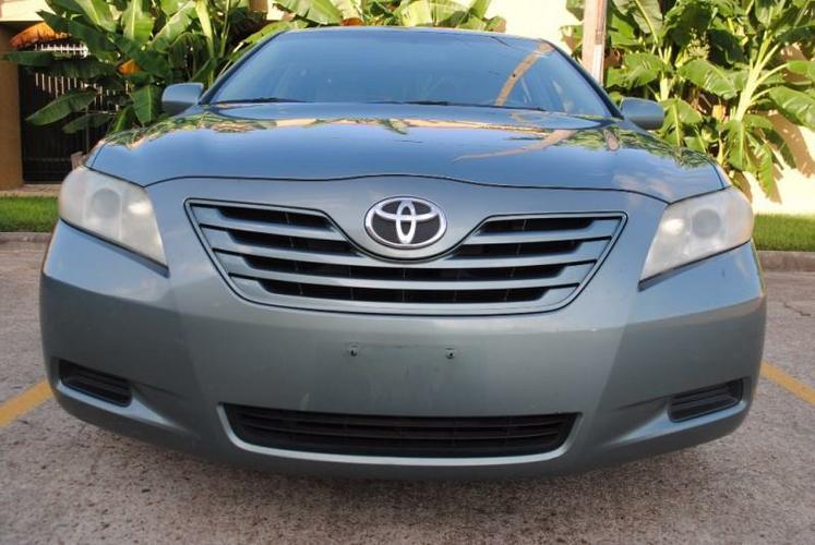 2007 Toyota Camry hybrid- XLE option- navigation