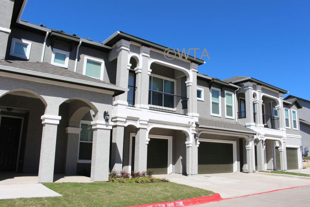 $1279 One bedroom Townhouse for rent