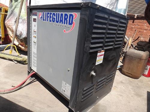 HAWKER POWER SOURCE LIFEGUARD PLUG-IN TYPE BATTERY CHARGER LG120600F3B