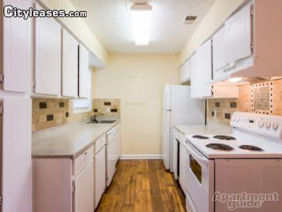 $700 Studio Apartment for rent