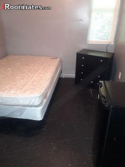 $525 One bedroom Dorm for rent
