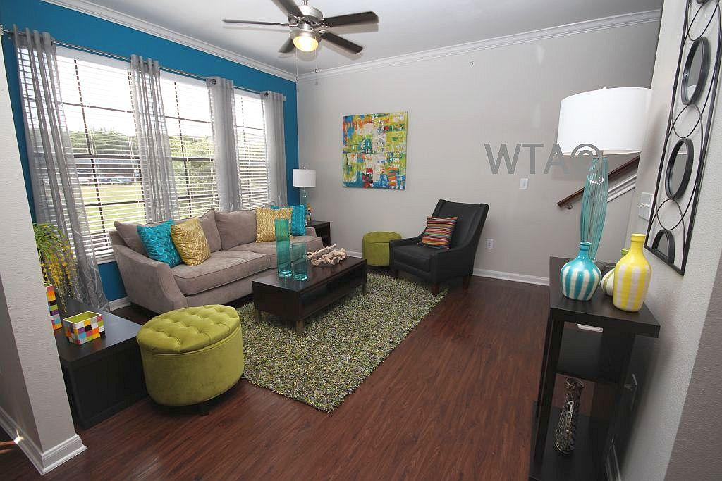 $1745 Two bedroom Townhouse for rent