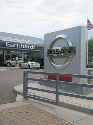 Earnhardt Nissan