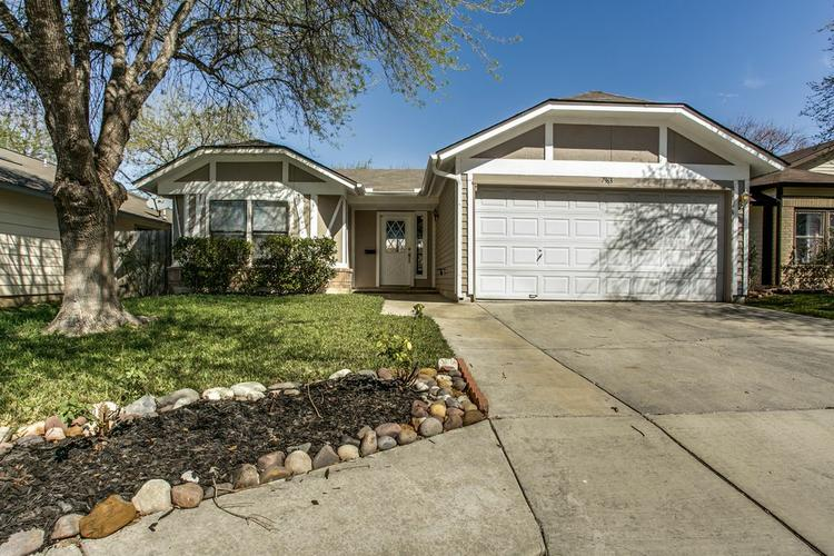 Beautifully maintained 1 story home for rent.