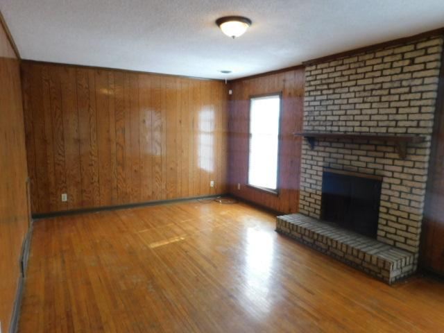 $1221 Four bedroom Apartment for rent