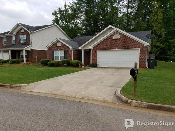 $1050 Three bedroom House for rent