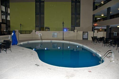 Holiday Inn Morgantown/Pa Turnpike Ex 298