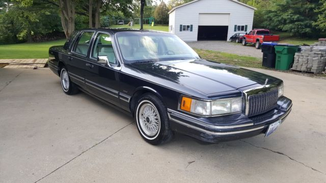 1993 Lincoln Town Car Cartier 112k miles $1775