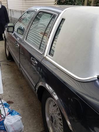 1993 Lincoln Town Car Cartier 112k miles $1775