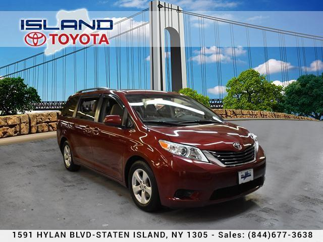 Toyota Sienna 5dr 7-Pass Van V6 LE FWD Mobility 2014