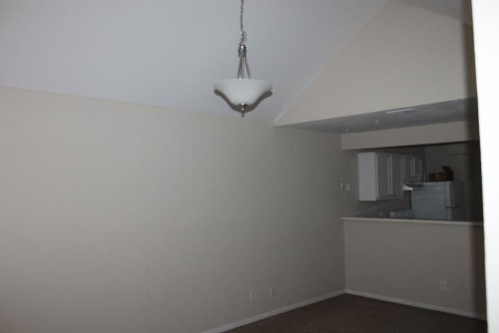 $880 Three bedroom Apartment for rent