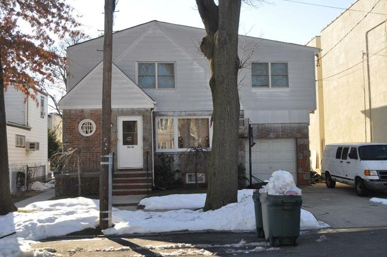 ID#:  13197925 Lovely 2 Bedroom Apartment For Rent In Whitestone!