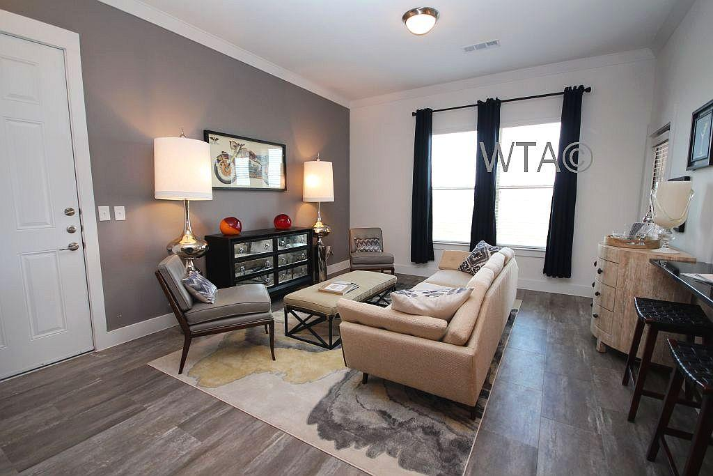 $2100 Three bedroom Apartment for rent