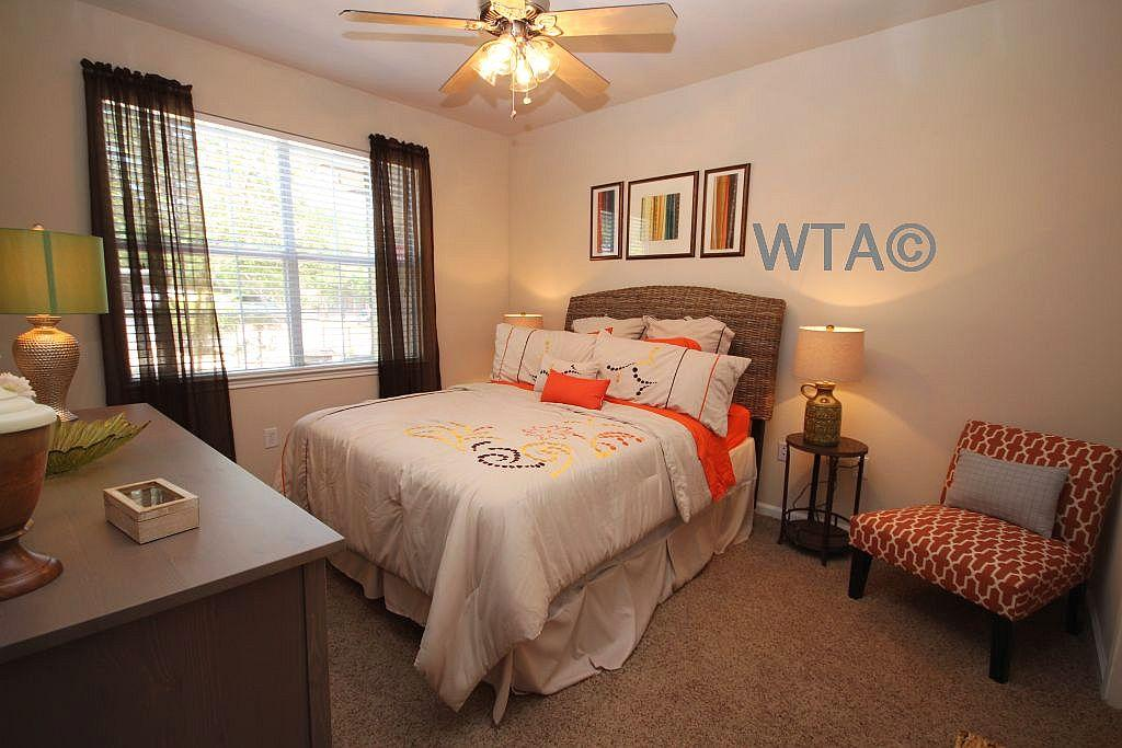 $1380 Three bedroom Apartment for rent