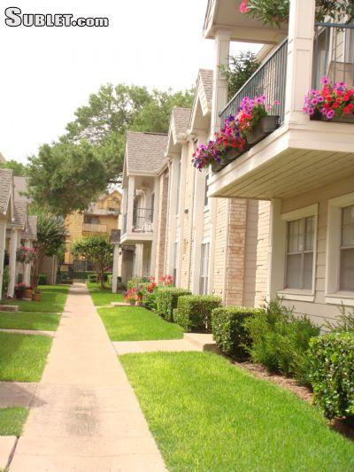 $1635 One bedroom Townhouse for rent