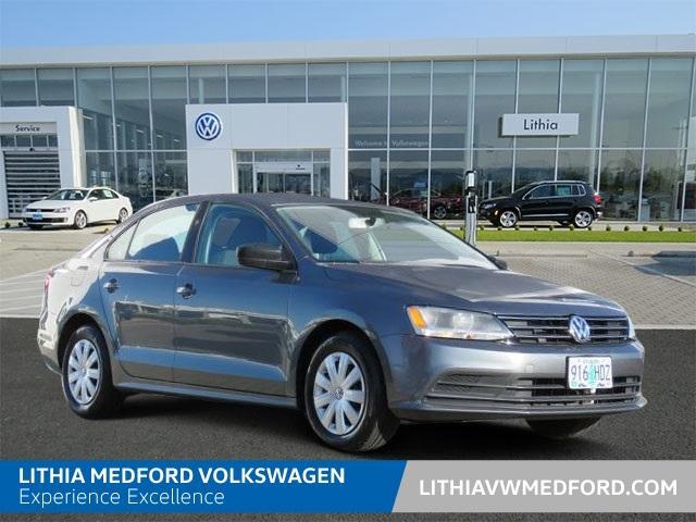 Volkswagen Jetta Sedan 2.0L S 2015