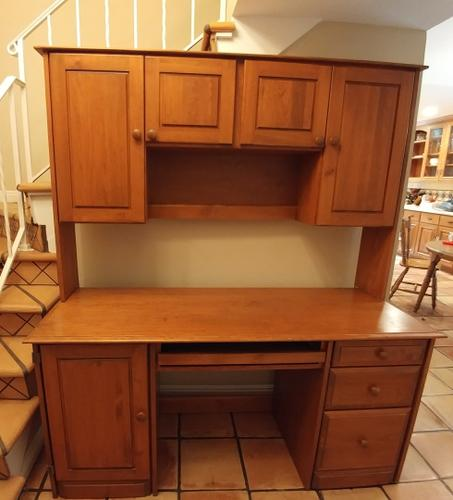 Solid Pine Desk with Hutch