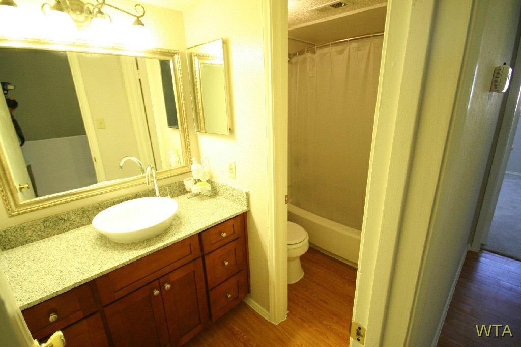 $1245 Two bedroom Townhouse for rent