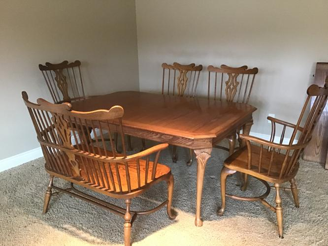 Pennysaver Vintage Pennsylvania House Oak Dining Set In Linn Iowa Usa