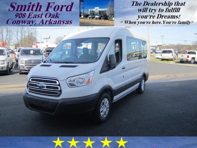 Ford Transit Wagon 150 XL 2017