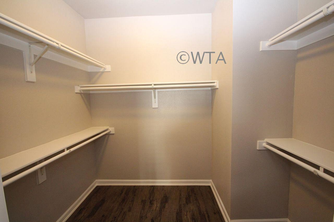 $1020 One bedroom Townhouse for rent