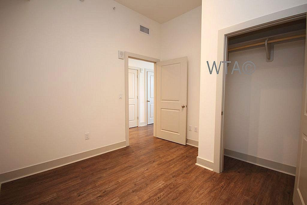 $3313 One bedroom Apartment for rent