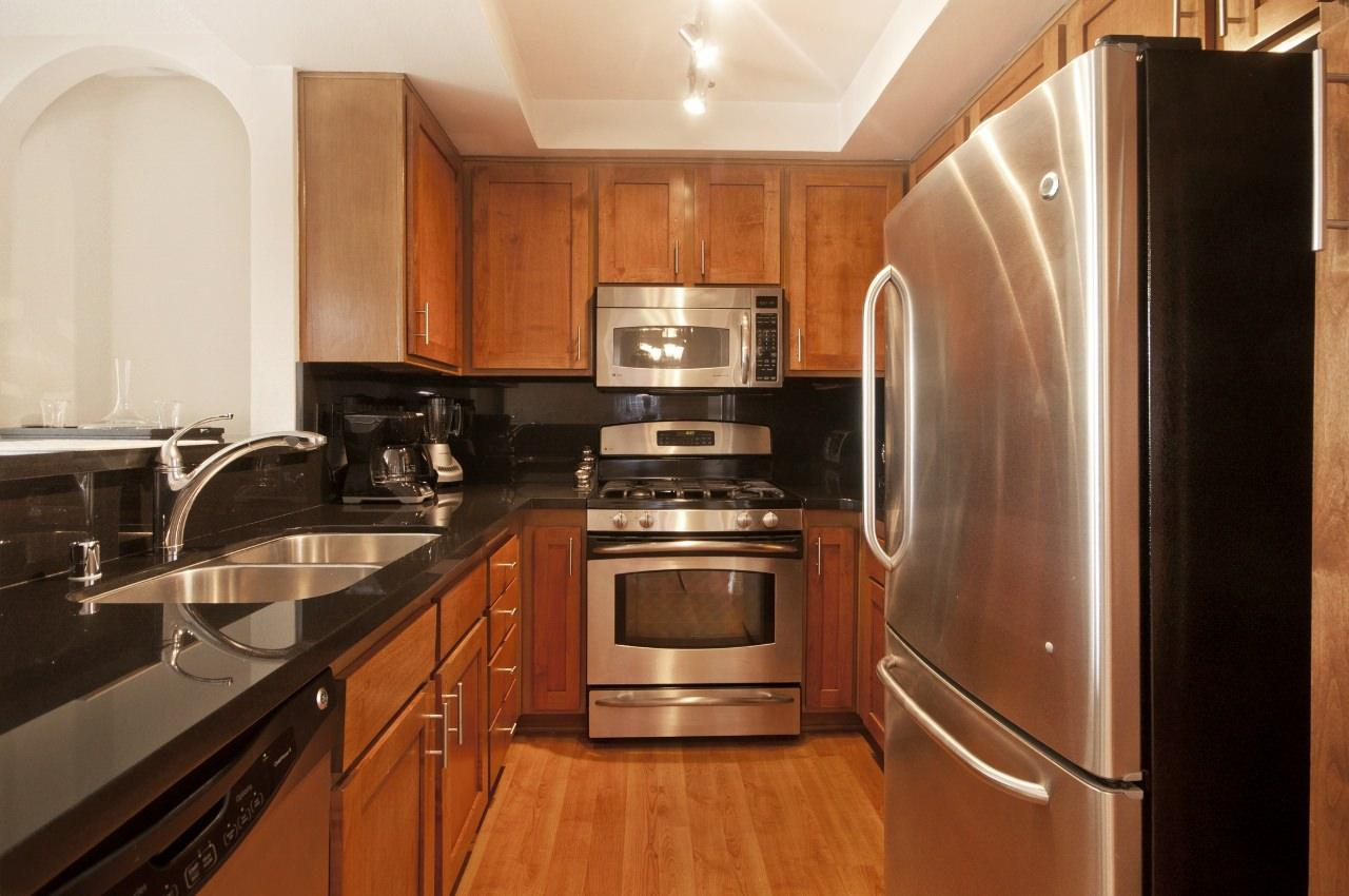 $4095 One bedroom Apartment for rent