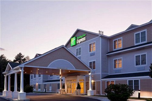Holiday Inn Express & Suites Freeport - Brunswick Area