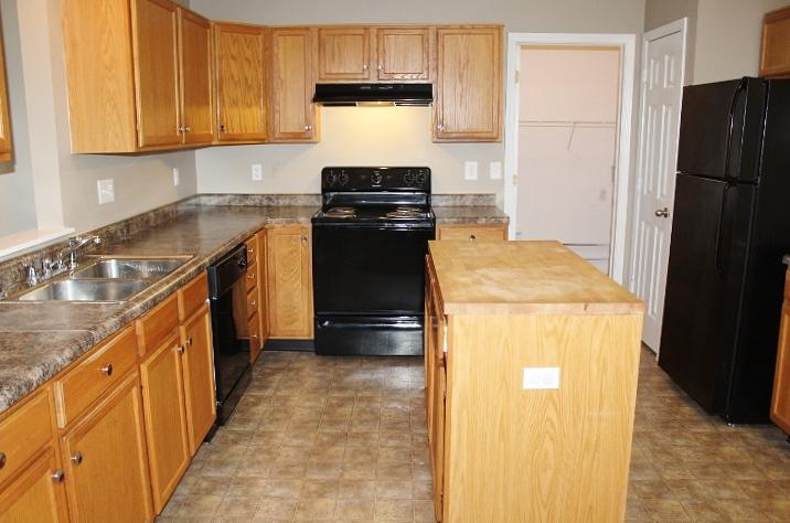 $1433 Three bedroom Apartment for rent