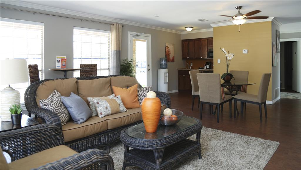 $2025 One bedroom Apartment for rent