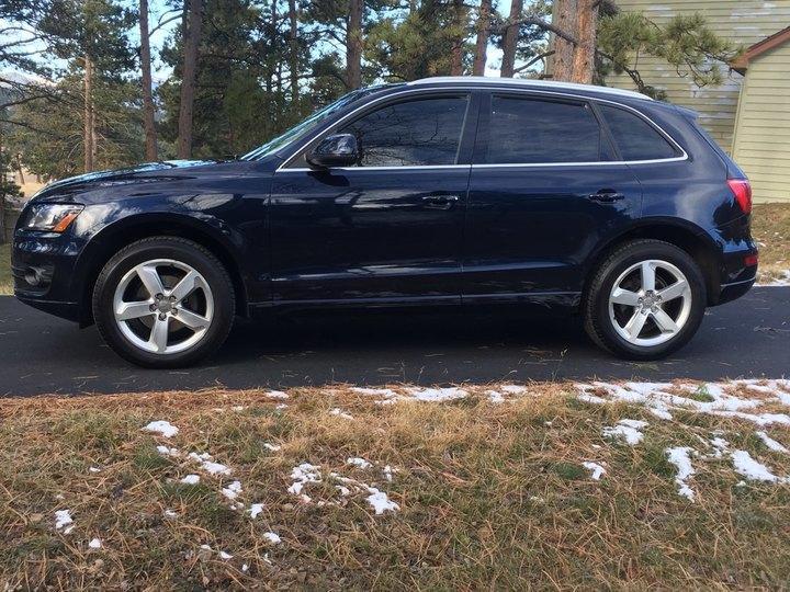 Audi Q5 4D SUV Premium Plus 2010