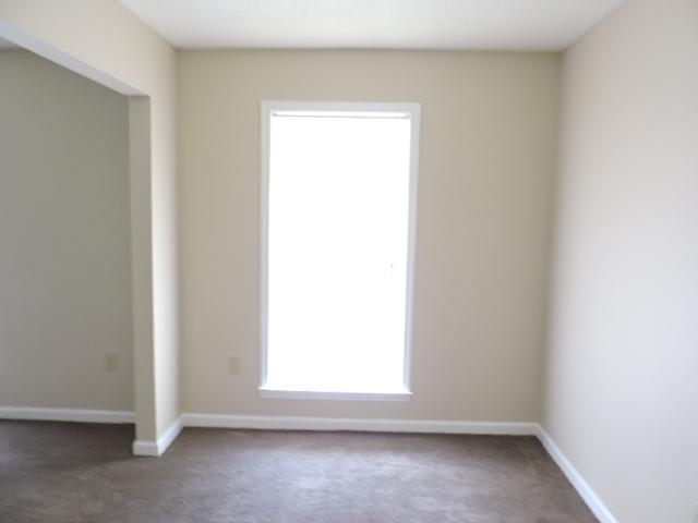$916 Three bedroom Apartment for rent
