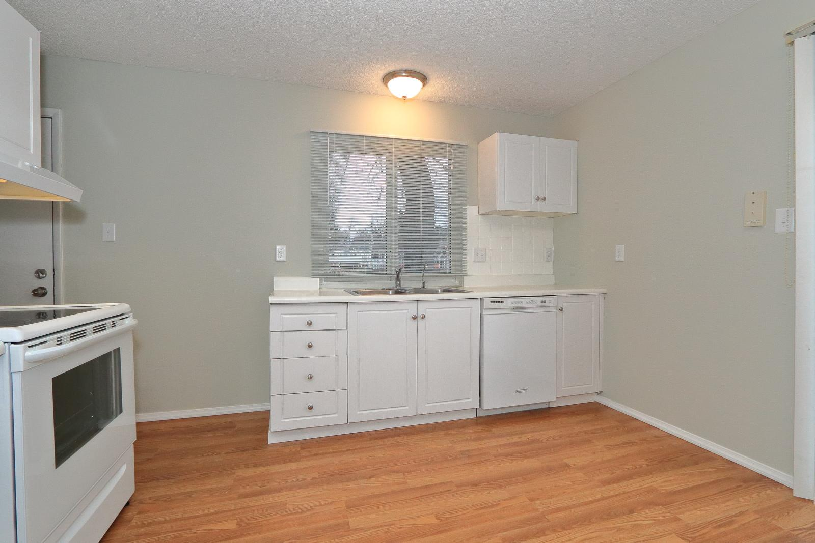 $1300 Four bedroom Apartment for rent