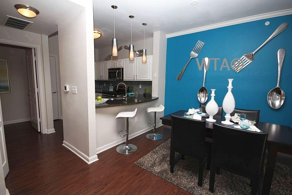 $2595 Three bedroom Townhouse for rent