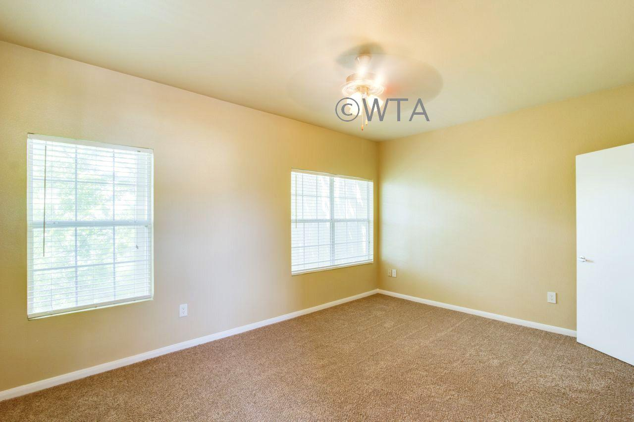$835 One bedroom Townhouse for rent