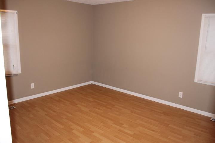 $961 Three bedroom Apartment for rent