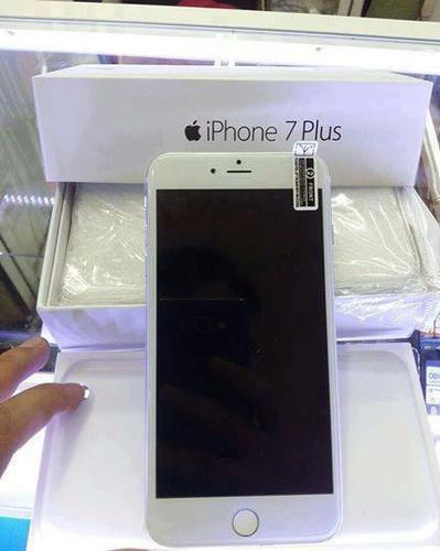 Apple iPhone 7 Plus 128GB Unlocked == $550