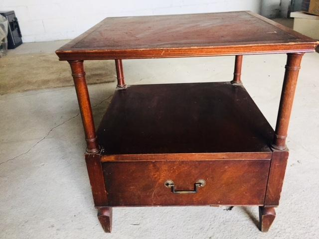 Heritage Henredon Mahogany Table with leather top