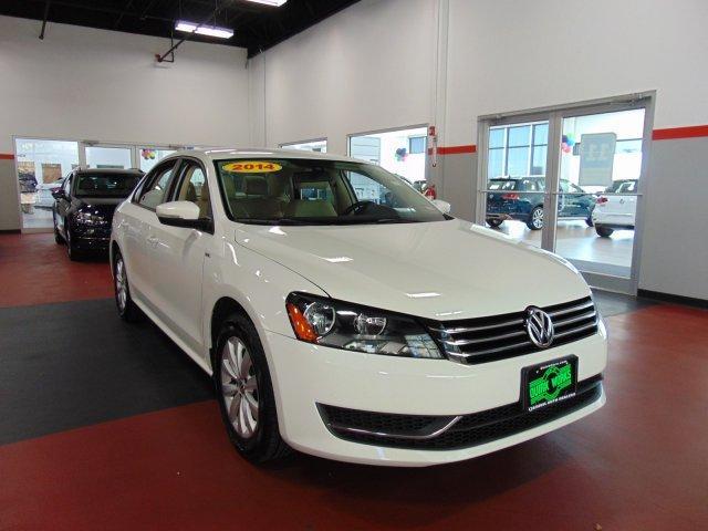 Volkswagen Passat Wolfsburg Ed 2014
