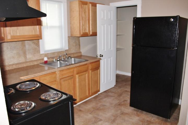 $850 Three bedroom Apartment for rent