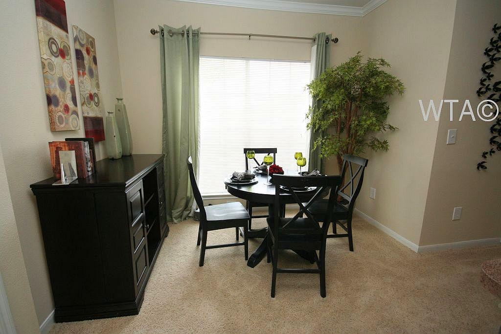 $1315 Two bedroom Townhouse for rent