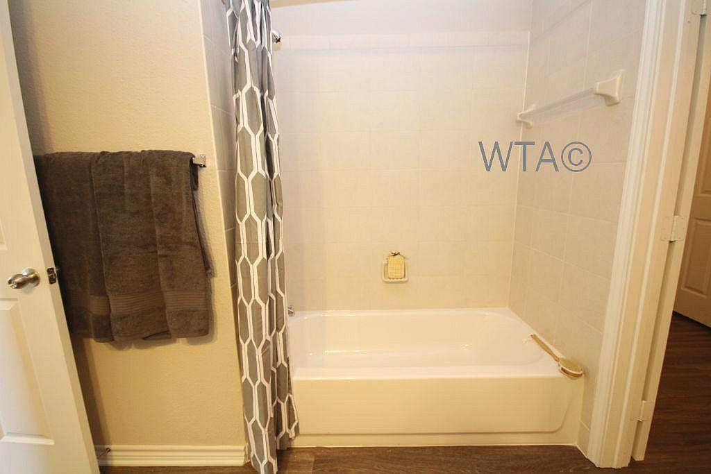 $1685 Three bedroom Apartment for rent