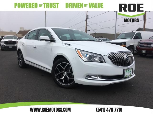 Buick LaCrosse Touring Group 2016