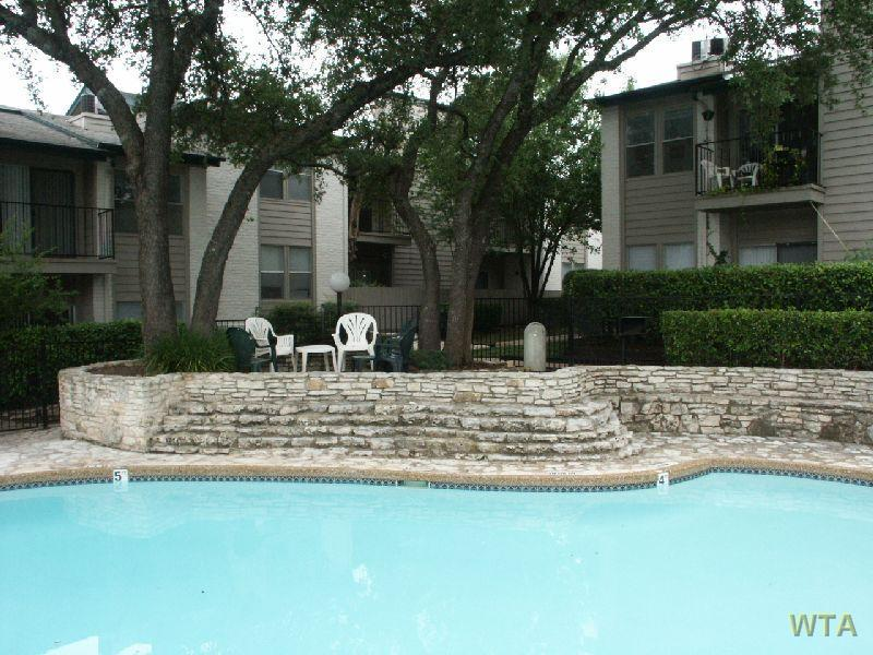 $1240 One bedroom Loft for rent