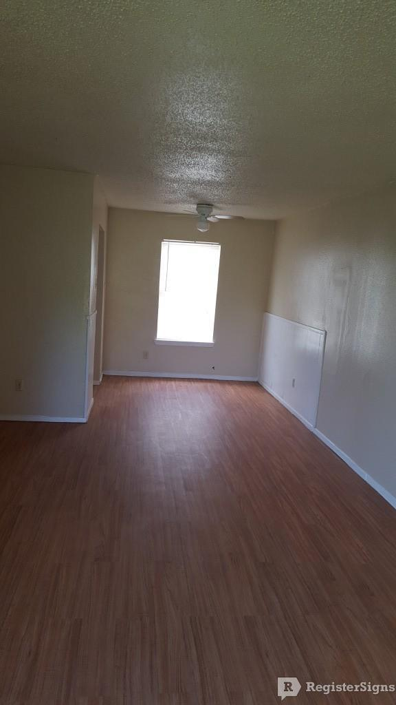 $1045 Three bedroom Apartment for rent