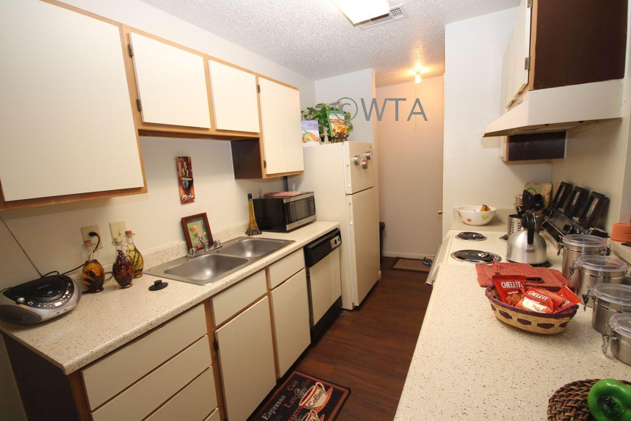 $1275 Three bedroom Townhouse for rent